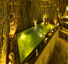 غار نمک آسیای هتل